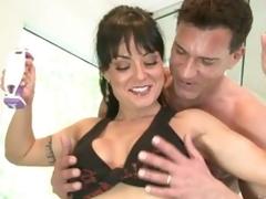 Exotic milf Mahina Zaltana gets horny at the gym