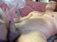 Dana Hayes is s blond-haired granny with great weenie sucking experience. This babe gives irrumation to well athletic hard cocked guy. This babe sucks his rock hard rod non-stop and cant acquire enough. Watch filthy oldie blow!
