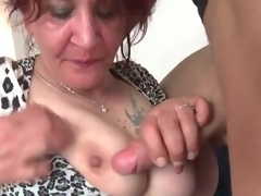 Young dick gets hard in mature mouth
