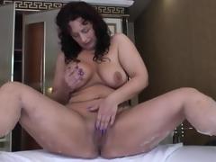Big butt old babe masturbates in her bathroom