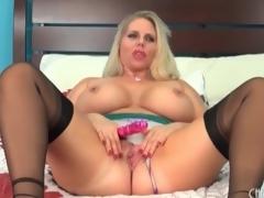 Fat chick Alura Jenson models lingerie