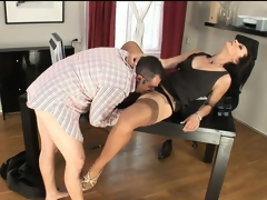 Nympho secretary in nylons trades head with her boss man at work